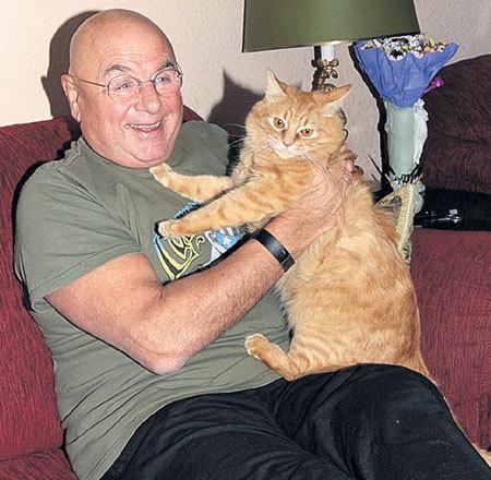Рыжий кот Персик считается полноправным членом актерской семьи