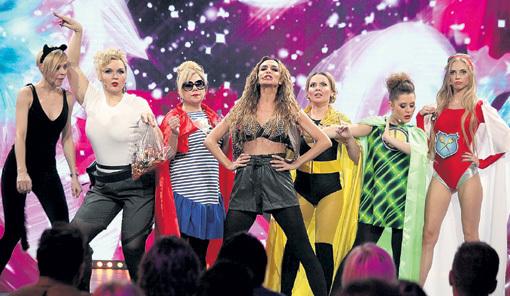 Команда суперженщин во главе с ВАРНАВОЙ, на минувшей неделе отметившей 30-летие
