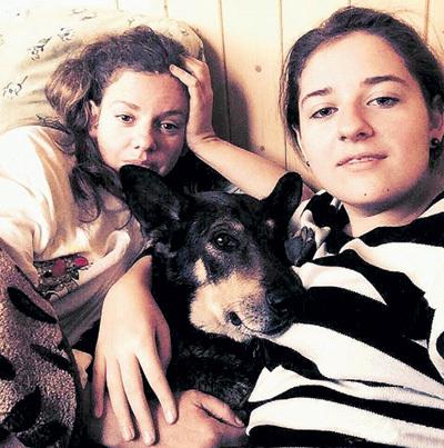 Дочь Инны (слева) - Лиза (справа) тоже обожает животных
