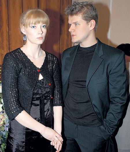 Даже сама пережив развод, Света не пожелала помириться с отцом (на фото с бывшим мужем - актёром Владимиром ЯГЛЫЧЕМ)
