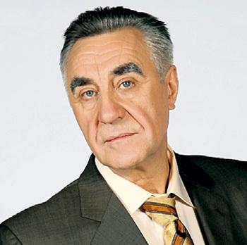 Анатолий... Фото: kinomania.ru