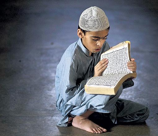 В странах, где процветает религиозный фанатизм, часто страдают дети