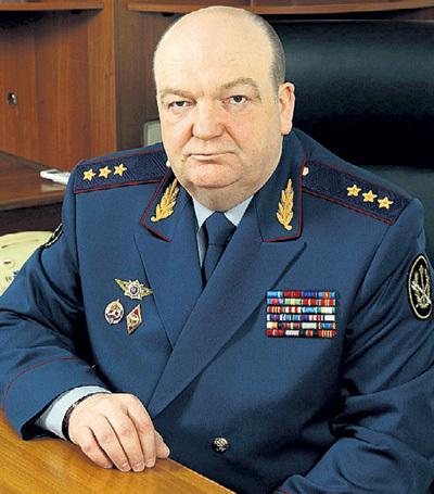 Экс-глава ФСИН Александр РЕЙМЕР, уйдя в отставку летом 2012 года, стал первым руководителем силовых структур, кто не смог устроиться на госслужбу и занялся охранным бизнесом