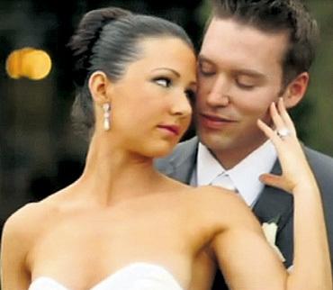 В США Савелий успел жениться дважды. Первая жена Марина родила дочь Басю. В марте 2013-го Бася КРАМАРОВА вышла замуж за американца Бена (на фото). Последней супругой актёра стала Наталья СИРАДЗЕ - с нею он прожил полгода, вплоть до смерти