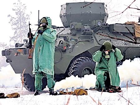 Охрана чудо-техники предусматривает любую опасность, вплоть до газовой атаки. Фото с сайта militaryrussia.ru