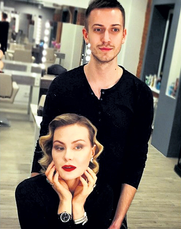 Актриса, как правило, остается довольной результатом работы Алексея. Фото: Vk.com