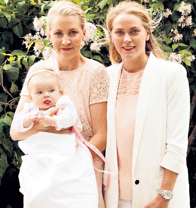 Шведка ДАЛЬКВИСТ наслаждается полноценной семейной жизнью