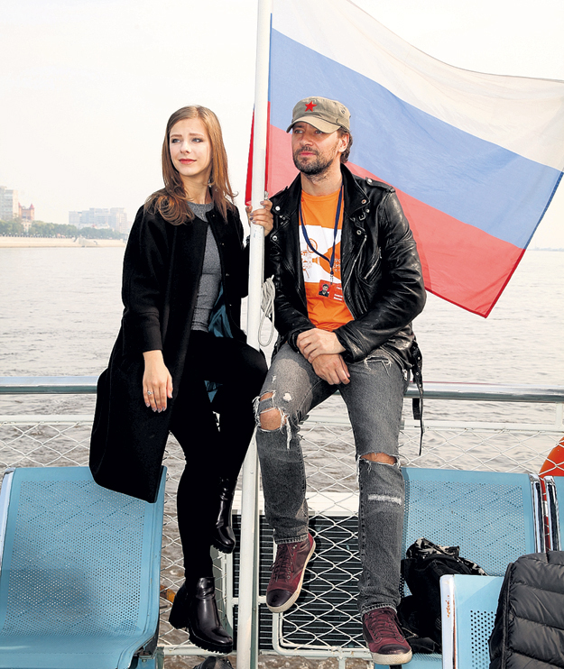 Лиза АРЗАМАСОВА и хитрый чувак Максим КОЛОСОВ