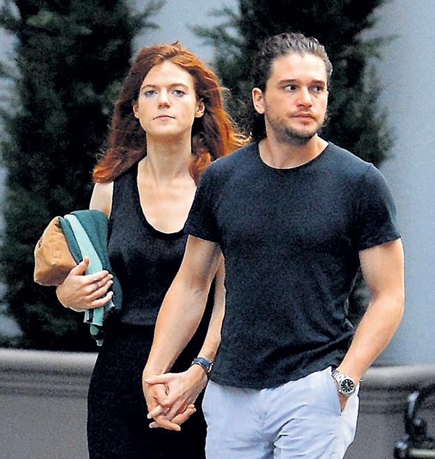 После совместных съёмок Роуз и Кит так и не смогли разомкнуть объятия