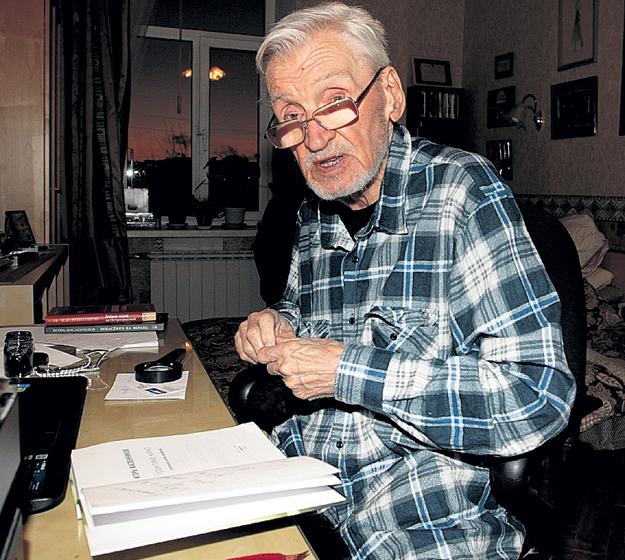 Игорь Фёдорович не только снимает фильмы, но и пишет стихи
