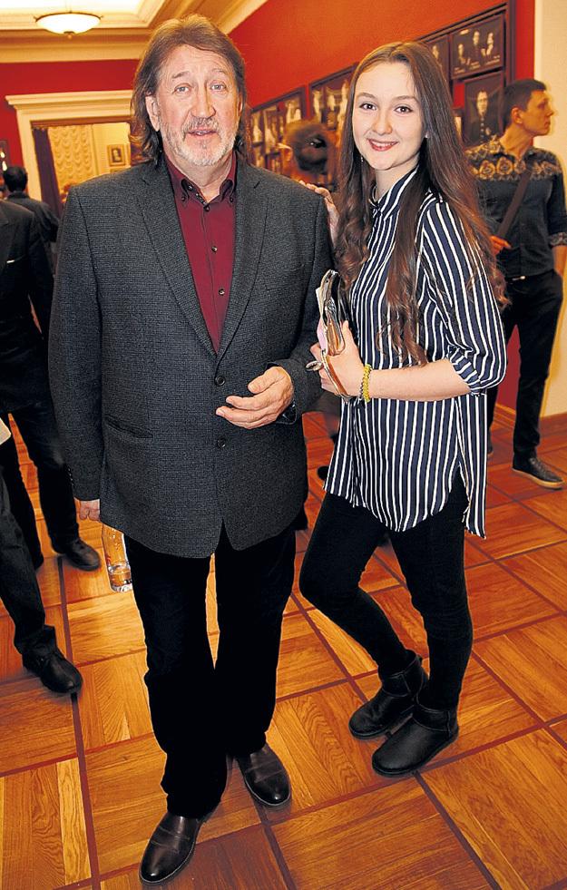 Дочь барда Олега МИТЯЕВА Даша в этом году окончит школу