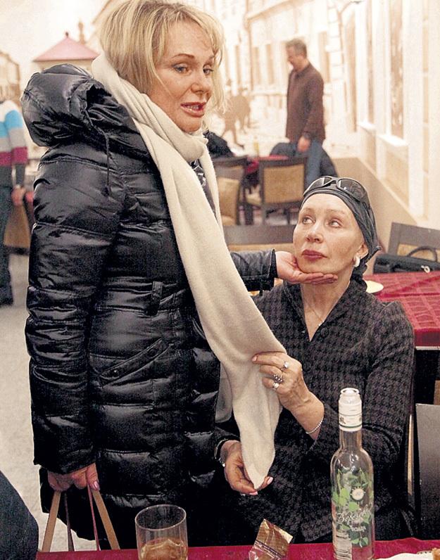 Мудрая Татьяна ВАСИЛЬЕВА всегда умела найти нужные слова, чтобы утешить подругу. Фото Ларисы КУДРЯВЦЕВОЙ