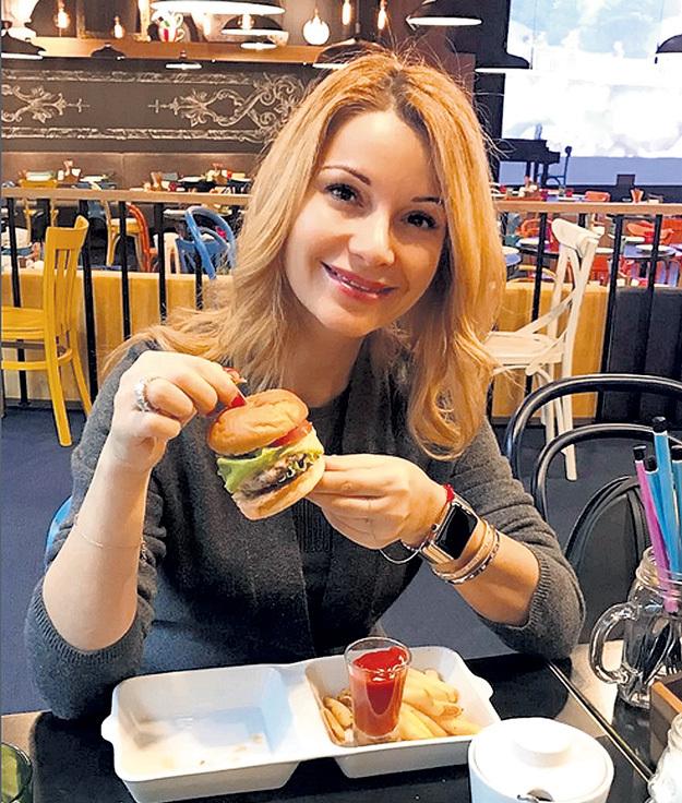 Ольга ОРЛОВА соблюдает пост уже 12 лет и не нарушала его даже во время беременности, но в ресторане Макса ФАДЕЕВА певица позволила себе маленькое послабление. Фото: Instagram.com