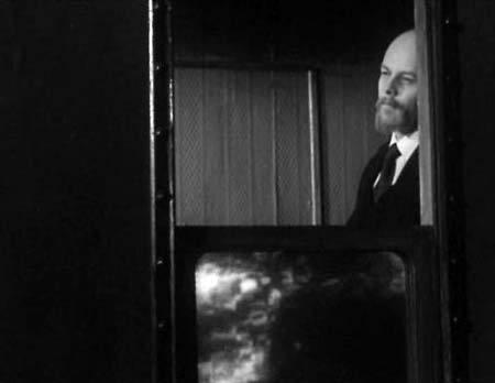Кадр из фильма «Ленин в Швейцарии» (1965 год). Источник фото: kinotiki.tk