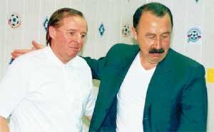 АЛЕКСАНДР ТАРХАНОВ (СЛЕВА): возможно, уже в этом сезоне он бросит вызов Валерию Газзаеву и его ЦСКА