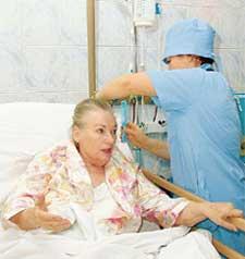В БОЛЬНИЦЕ: врачи делали все, чтобы Проня Прокоповна чувствовала себя как дома