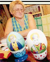 НАТАЛЬЯ ГОРЕЛОВА: мечтает писать на яйцах иконы