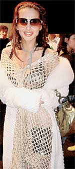 СВЕТЛАНА ЛОБОДА: не стесняется выходить в свет в дырявом платье