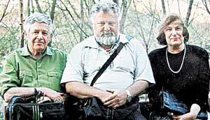ПАПА, СЫН И МАМА: после войны Макс и Ирина посвятили жизнь преподаванию, выросший Виктор стал конструктором высшего класса