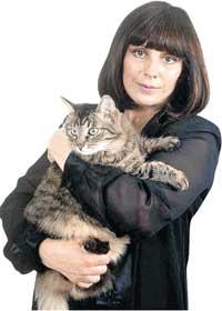 НАТАЛЬЯ ВАРЛЕЙ: одиночество кинозвезды скрашивают десятки кошек