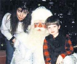 ДО РАЗЛУКИ: Татьяна Кораблина с сыном Юрой на новогоднем утреннике