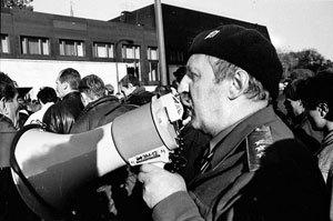 Генерал Макашов собирает отряд для захвата мэрии