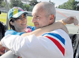 Минувшим летом Оксана примчалась поздравить Игоря с победой его подопечных девушек-футболисток в матче против Израиля
