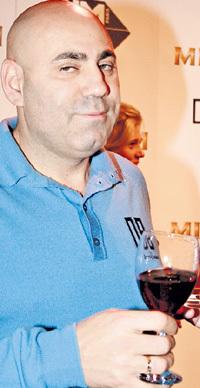 Иосиф выпил молдавского вина за победу над английской певицей и свой новый проект