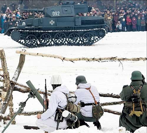 Немцев играли энтузиасты из прибалтийских военно-исторических обществ