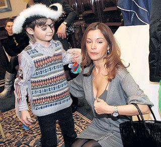 Артём ОРЛОВ с мамой Олей