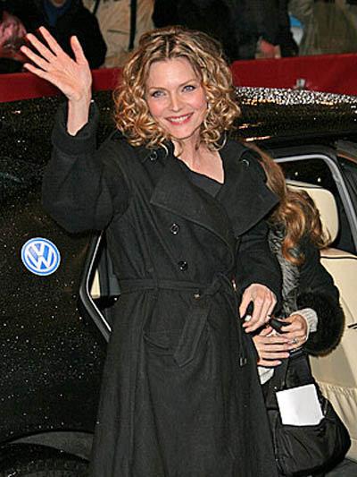 Еще весной на Берлинском кинофестивале актриса выглядела вполне на свой возраст.