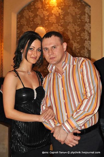 Степан Меньщиков со своей новой девушкой Катей