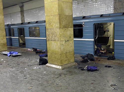 По уточненным данным, при взрывах в столичном метро погибли 35 и ранены 73 человека. Фото kp.ru