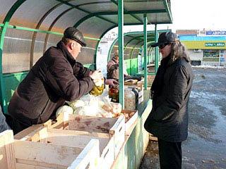 Николай Федоров на чебоксарском рынке. Фото: regnum.ru