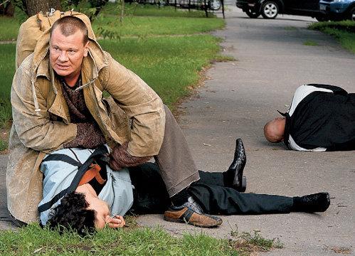 На съёмках Влад ГАЛКИН мужественно переносил боль в прооперированном колене