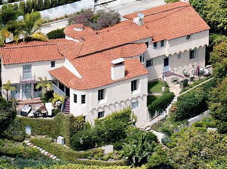 Дом стоит в одном из лучших районов Лос-Анджелеса