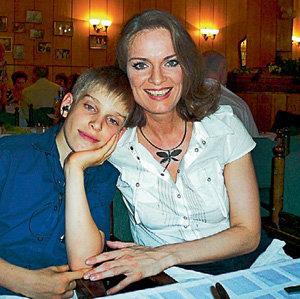 Ольга мечтает вырастить сына Глеба настоящим человеком