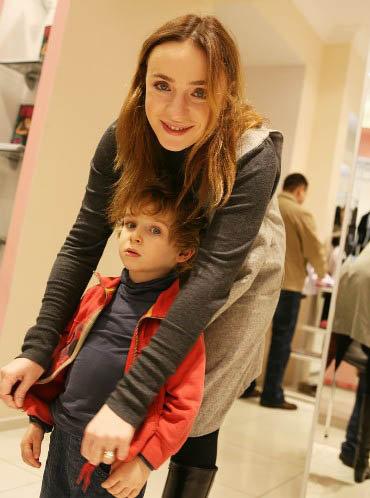 Тутта Ларсен с сыном Лукой. Фото: entertainment.ru.msn.com