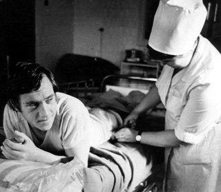 На больничной койке. (1974 г.) Фото Юрия Рыбчинского