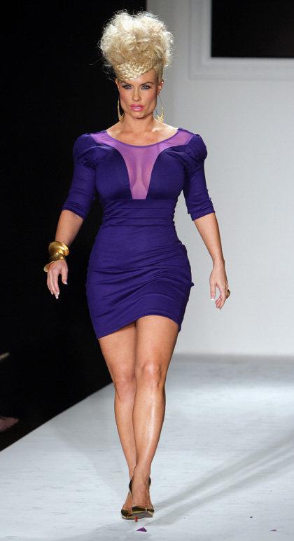 На Нью-Йоркской неделе моды Николь была хороша как спереди...