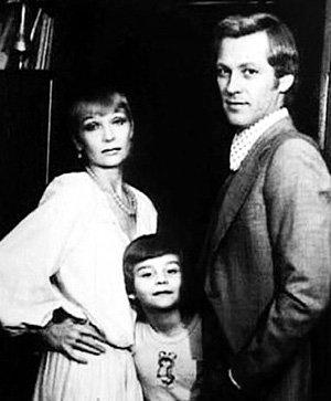 Когда-то Светлана СВЕТЛИЧНАЯ и Владимир ИВАШОВ были счастливой парой (на фото с сыном Лёшей)