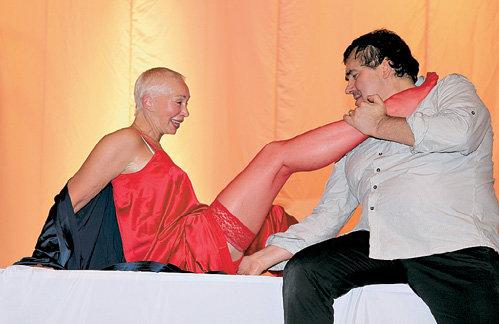 ВАСИЛЬЕВА и САДАЛЬСКИЙ с душой изобразили на репетиции мужа и жену