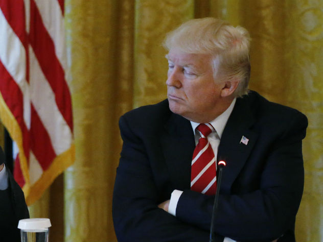Советники рекомендовали Трампу гораздо меньше говорить про РФ