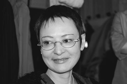 Ирина Хакамада, авт. – Е. Давыдова