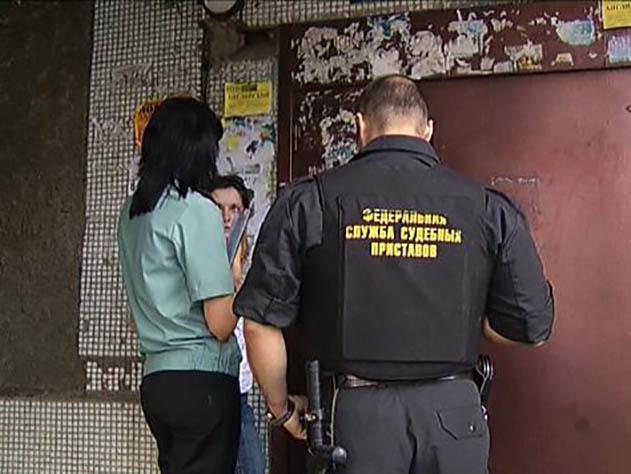 ВКрасноярске судебные приставы способствовали изъятию 7-летнего ребенка  узлостного должника