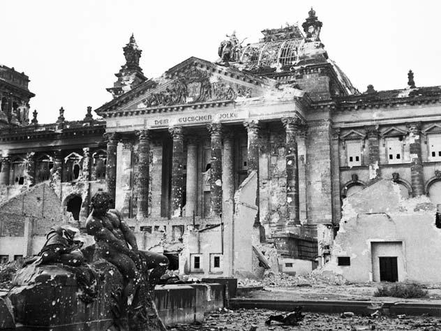 Развалины Рейхстага, 1945 г. Источник: wikimedia.org