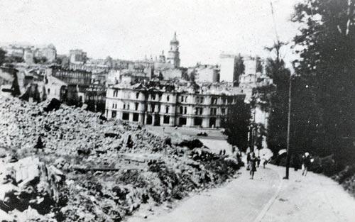То, во что немцы превратили Майдан. Киев, 1941 год. Фото: wikimedia.org