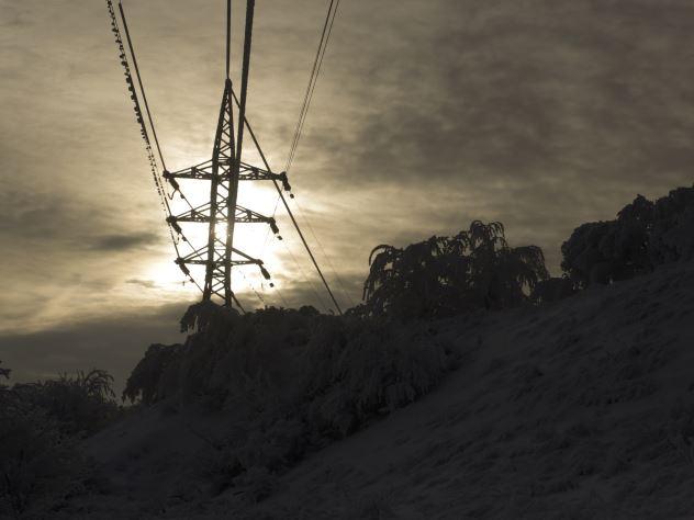 Стало известно, почему Крым остался без электричества