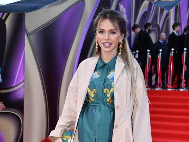 Известная российская актриса Анна Хилькевич, которая в скором времени должна родить ребенка, заявила на своей страничке в социальной сети Instagram, что стремительно набирает вес и ничего не может с этим поделать.