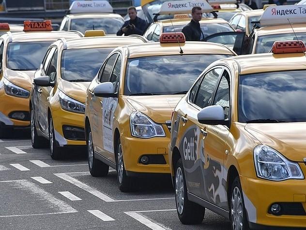 Госдуме предложили ввести лицензии для таксистов